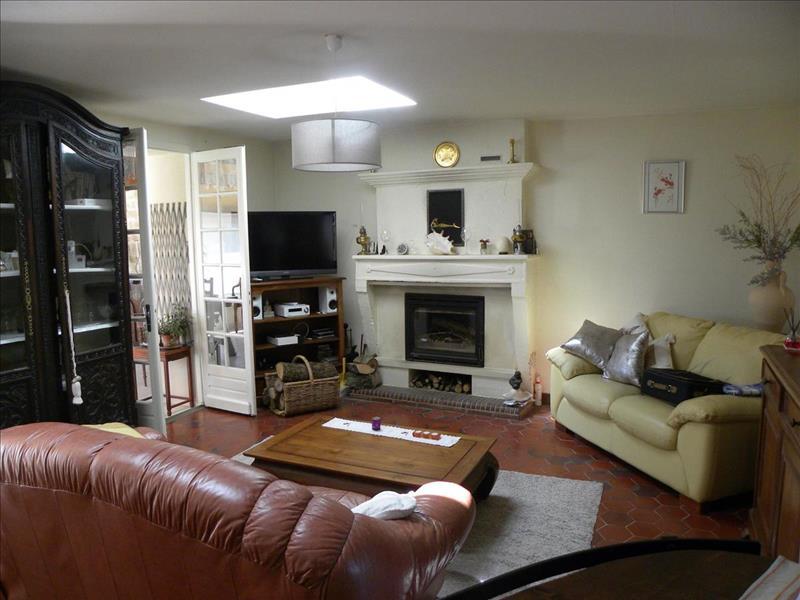 Vente Maison CHARTUZAC (17130) - 5 pièces - 97 m² -