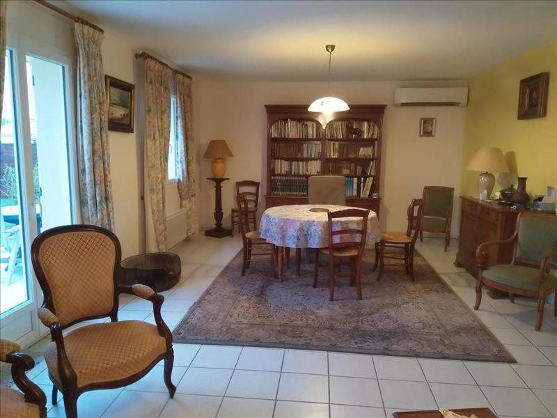 Vente Maison ST BONNET SUR GIRONDE (17150) - 4 pièces - 100 m² -