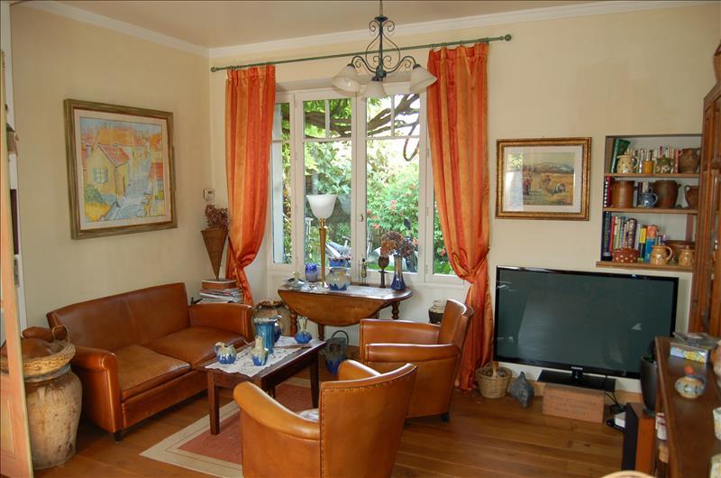 Maison AUVERS SUR OISE - 5 pièces  -   140 m²