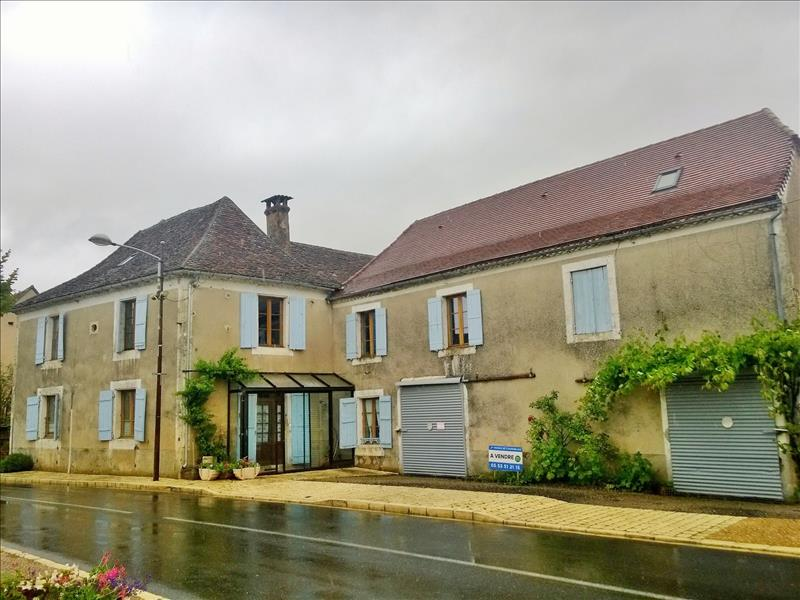 Maison HAUTEFORT - 8 pièces  -   202 m²
