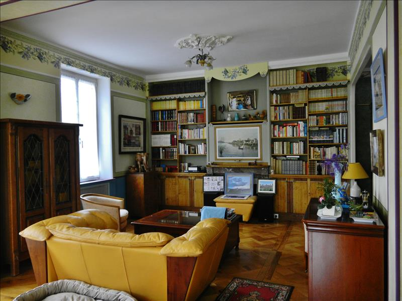 Maison THENON - 12 pièces  -   302 m²