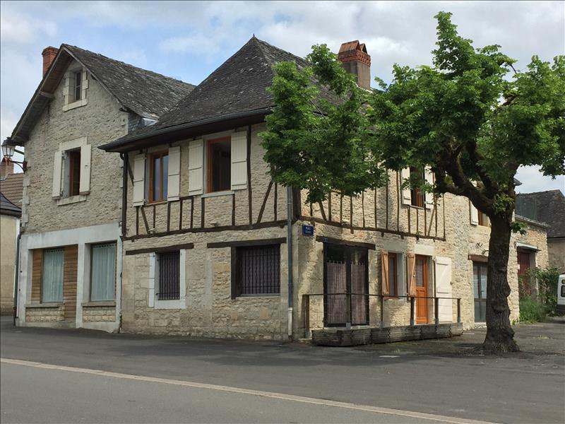 Maison CONDAT SUR VEZERE - 8 pièces  -   186 m²
