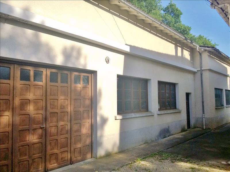 Maison CONDAT SUR VEZERE - 6 pièces  -   131 m²
