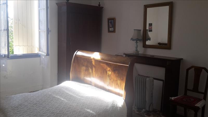 Maison ST RABIER - 4 pièces  -   153 m²