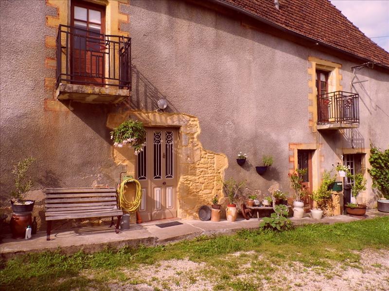 Immeuble MONTIGNAC - 9 pièces  -   250 m²