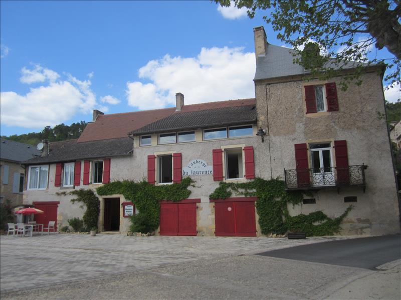 Maison AURIAC DU PERIGORD - 15 pièces  -   450 m²