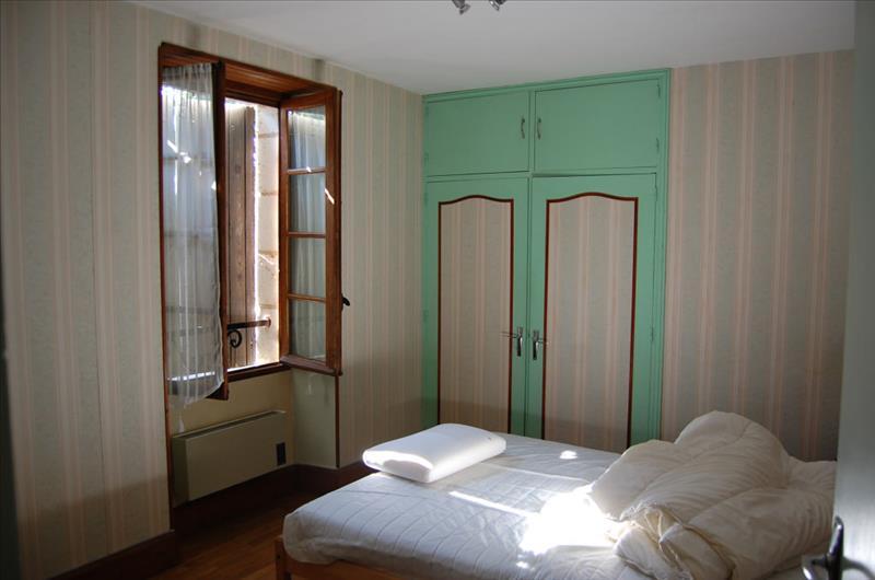 Maison LA CHAPELLE AUBAREIL - 5 pièces  -   80 m²