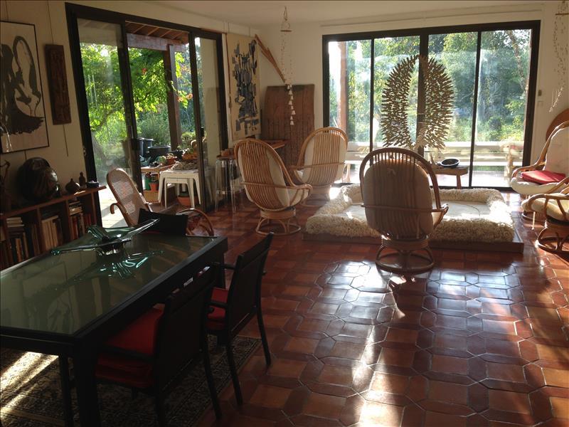 Maison AUBAS - 8 pièces  -   221 m²
