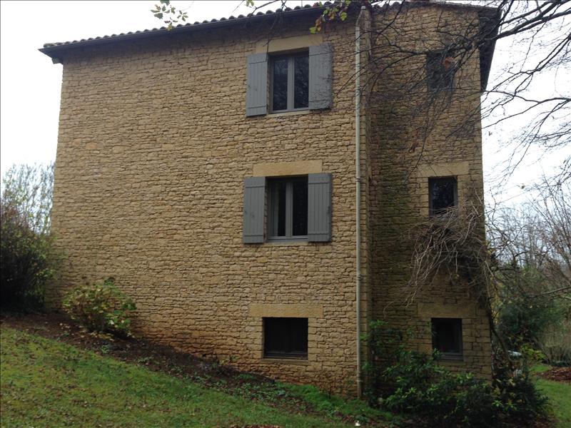 Maison ST GENIES - 10 pièces  -   220 m²