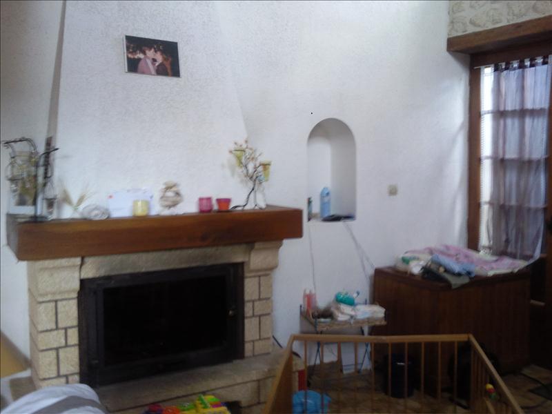 Maison ST GENIS DE SAINTONGE - 3 pièces  -   113 m²