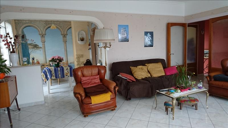 Maison JONZAC - 7 pièces  -   179 m²