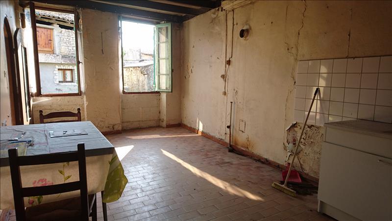 Maison ST SIGISMOND DE CLERMONT - 4 pièces  -   74 m²