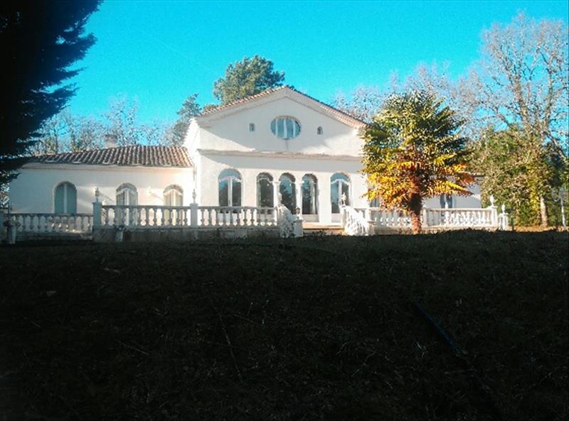 Maison TERRASSON LAVILLEDIEU - 10 pièces  -   350 m²