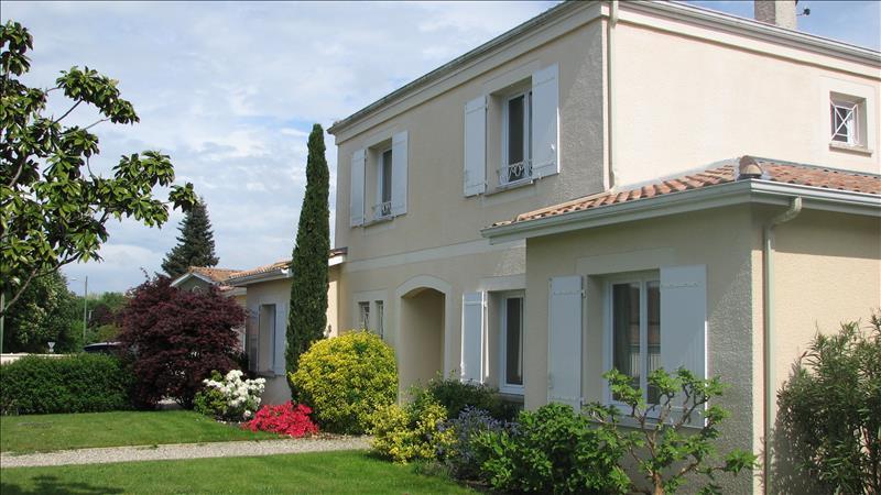 Maison LA BREDE - 7 pièces  -   172 m²