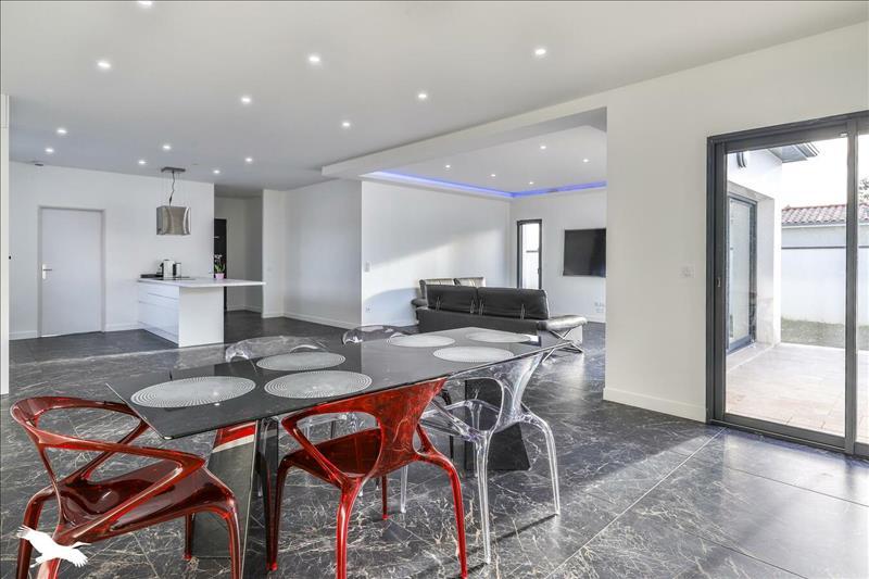 Vente Maison BEAUTIRAN (33640) - 5 pièces - 135 m² -