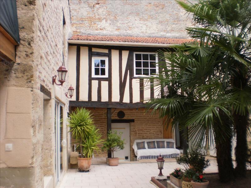 Maison MARMANDE - 11 pièces  -   397 m²