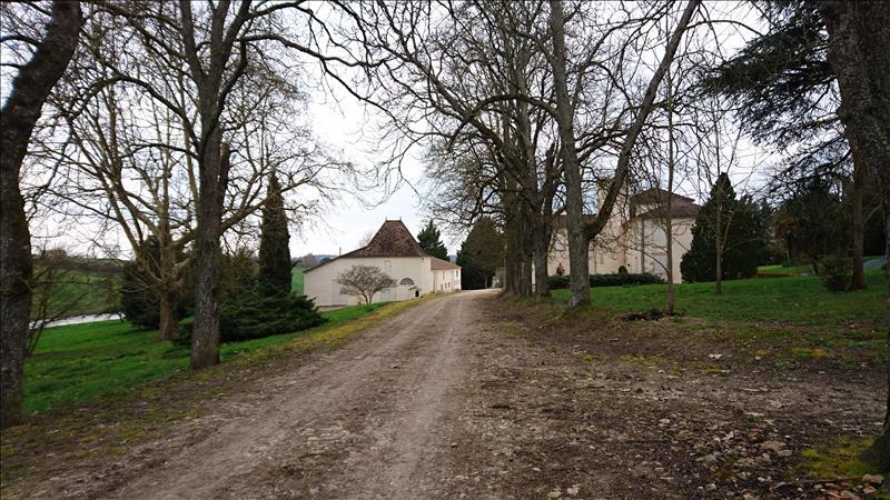 Maison MAUVEZIN SUR GUPIE - 25 pièces  -   445 m²