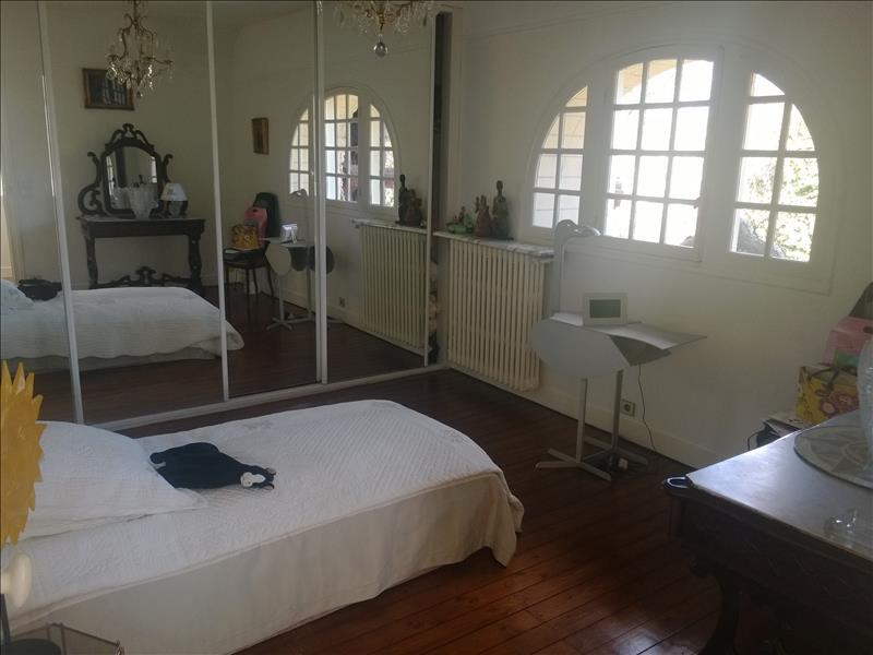Maison MONTMORENCY - 6 pièces  -   150 m²