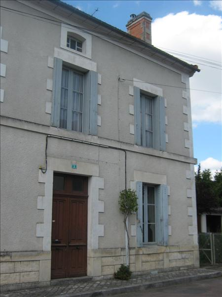 Maison JAVERLHAC ET LA CHAPELLE ST ROBERT - 4 pièces  -   105 m²