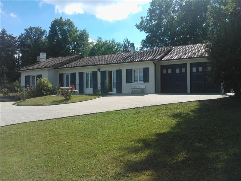 Maison ST MARTIAL DE VALETTE - 6 pièces  -   115 m²