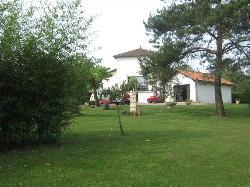 Maison NONTRON - 5 pièces  -   100 m²