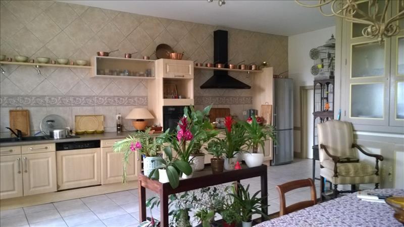 Maison NONTRON - 8 pièces  -   218 m²