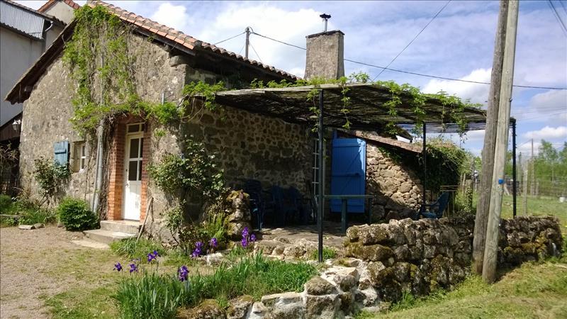 Maison BUSSEROLLES - 3 pièces  -   65 m²