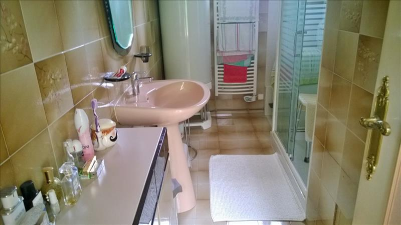 Maison JAVERLHAC ET LA CHAPELLE ST ROBERT - 3 pièces  -   90 m²