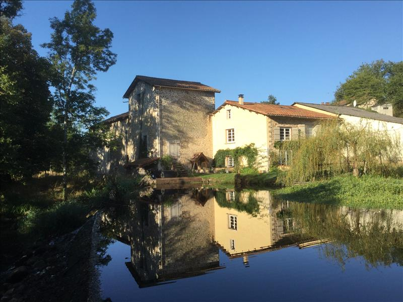 Vente Maison MAISONNAIS SUR TARDOIRE (87440) - 8 pièces 220 m²