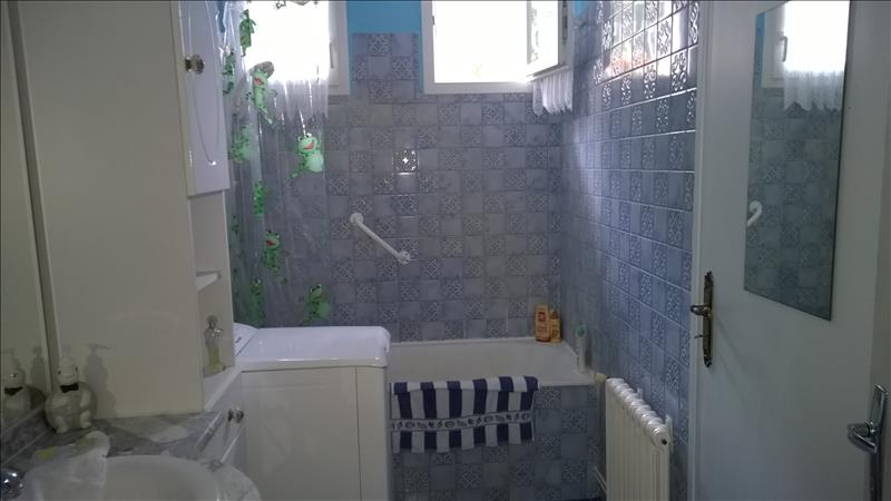 Maison CHERMIGNAC - 4 pièces  -   77 m²