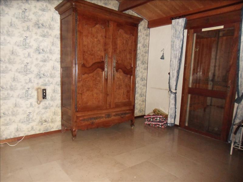 Maison ST SAUVANT - 6 pièces  -   157 m²