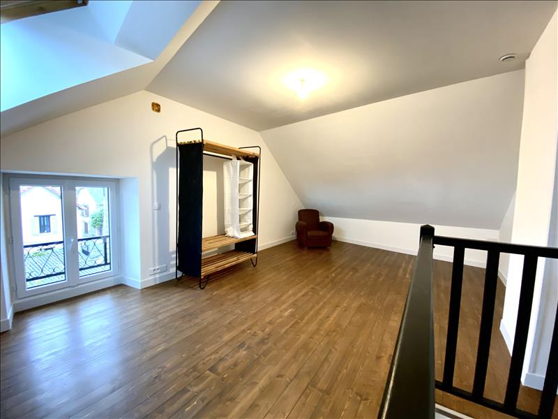 Location Appartement BEYNES - 3 pièces - 66 m²